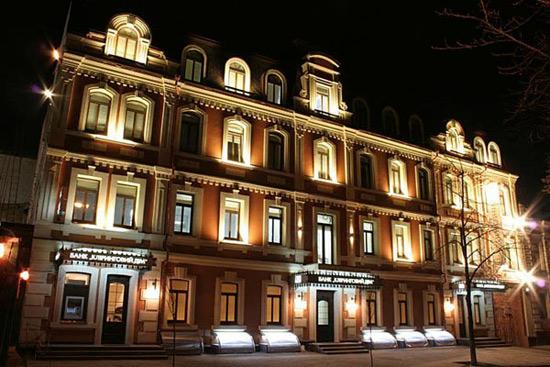 освещение зданий осветительным оборудованием